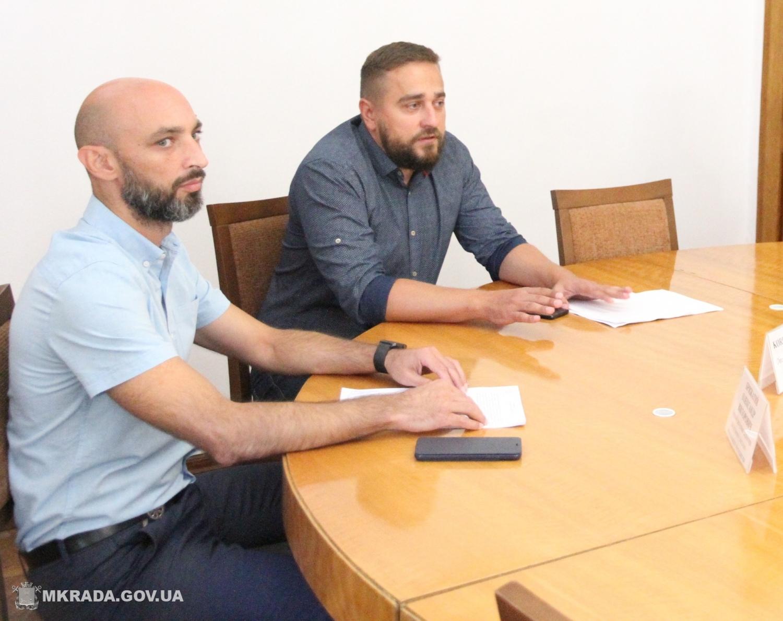 Александр Брыжатый и Сергей Коренев (слева направо). Фото с сайта Николаевского горсовета.