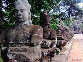 entrance of Angkor Thom