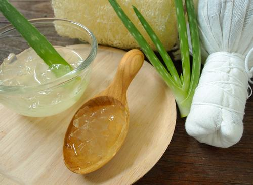 best-hair-conditioner-conditioners-DIY-hair-conditioner-aloe-vera-gel-and-coconut-oil