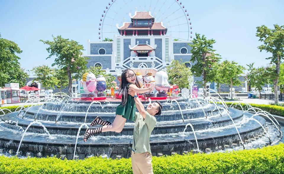 Check in tại cổng thành của Asia Park DaNang