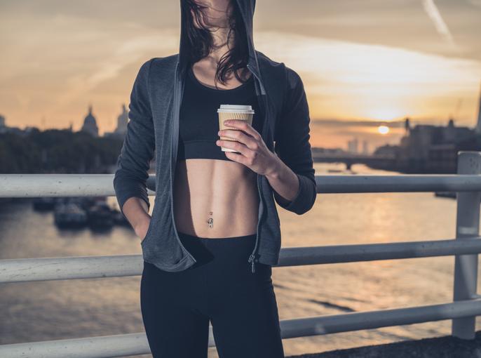Aké účinky má kofeín pre športovcov?