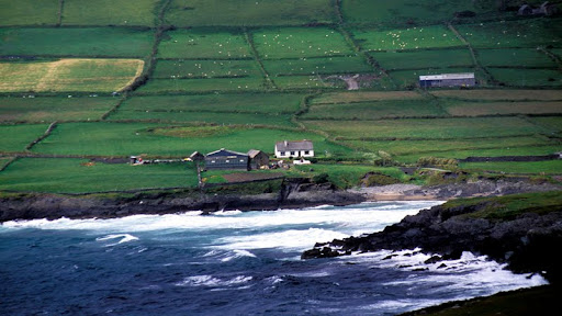 Ballynahow Bay, County Kerry, Ireland.jpg