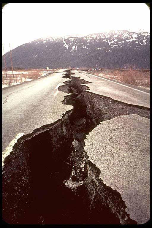 C:\Users\stephaniet\AppData\Local\Microsoft\Windows\Temporary Internet Files\Content.IE5\V683T39G\earthquake[1].jpg