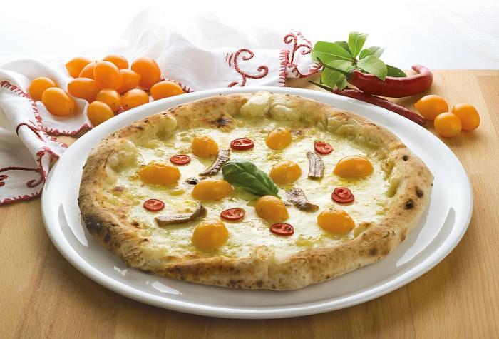 pizza con pomodorini datterini gialli