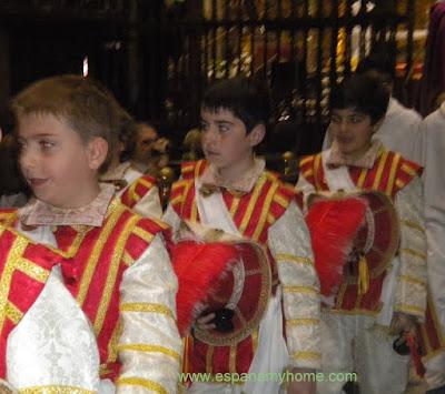 Севилья, кафедральный собор, танец пажей.