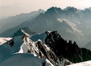Вершина Эгюий Вэрт, высота 4121 м