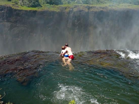 Водопад Виктория. Дьявольский бассейн