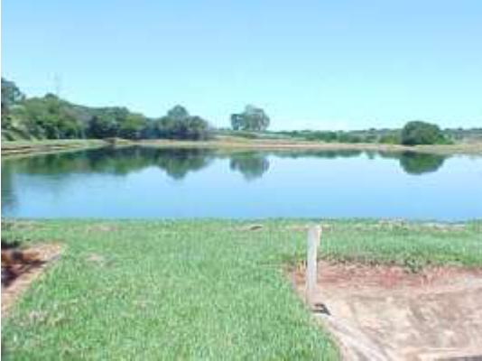 Lagoa facultativa na ETE de Iturama (MG).