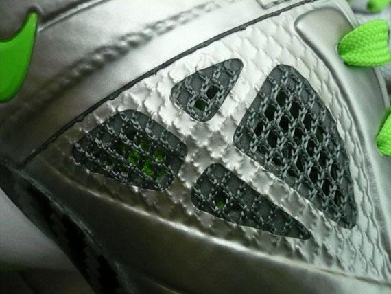 Detailed Look at Nike LeBron 8 PS Dunkman Cosmic Version