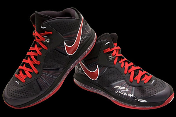 Nike LeBron 8 V1 amp V2 Game WornSigned PEs from Upper Deck