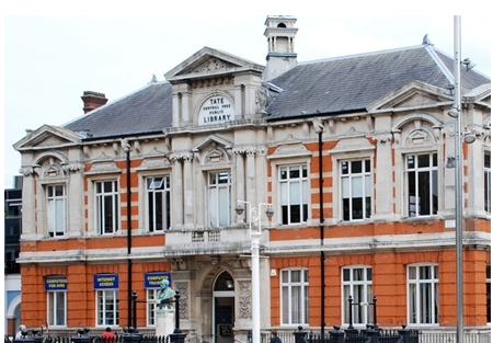 Photo of Brixton Library on Vassall View