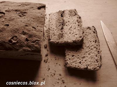 Weekendowa Piekarnia #115: chleb żytni ze śliwką