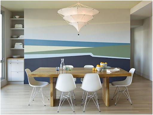 Un enorme cuadro decorando el Salon Comedor