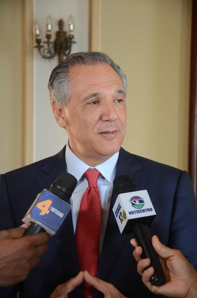 Presidencia instruye garantizar uso adecuado de los símbolos patrios en instituciones públicas