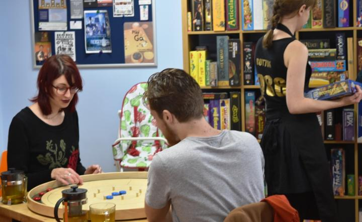 Couple play 'Go' together at Sugar and Dice