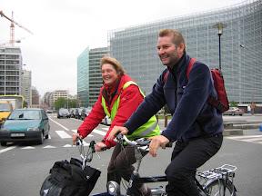 В Брюсселе автомобилистам предложили пересесть на велосипеды 2cyclistessouriants