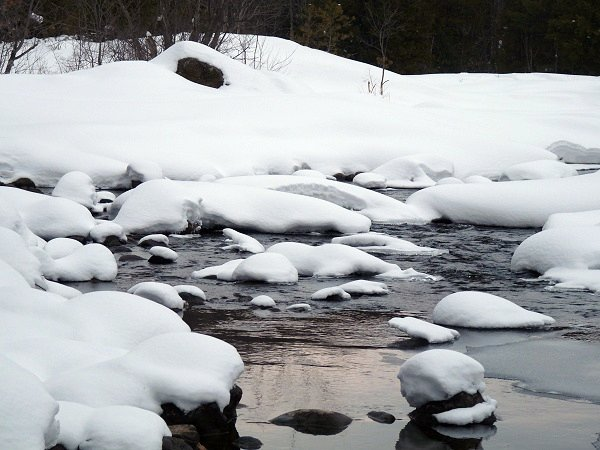 snow pillows on the raquette river