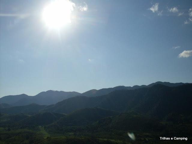 Sol sobre a serra em Paracambi
