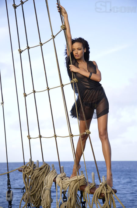 Selita Ebanks Pictures(holytaco-babes-2photos)2