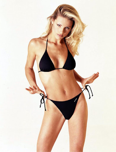 michelle hunziker bikini shoot 003 130x120 Michelle Hunziker in a bikini, part five