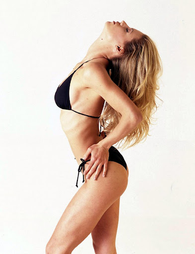 michelle hunziker bikini shoot 005 130x120 Michelle Hunziker in a bikini, part five
