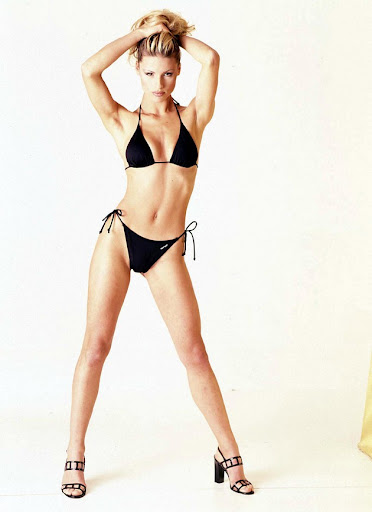 michelle hunziker bikini shoot 007 130x120 Michelle Hunziker in a bikini, part five