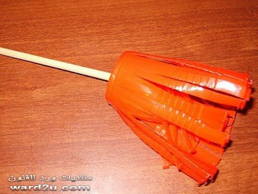 عمل زهره باكواب البلاستيك بالخطوات