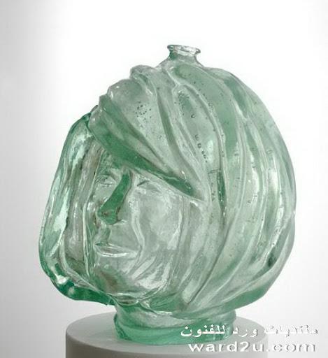 بورتريهات شفافه من زجاج ملون