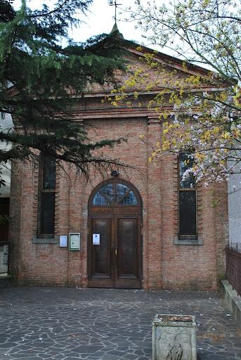 Adorazione Eucaristica nella chiesa del Piccolo Rifugio