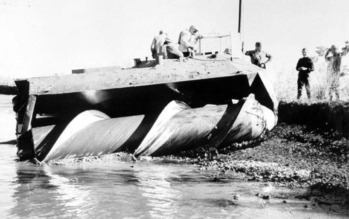 Soviet Screw propelled vehicle
