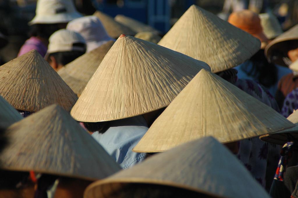 Коническая шляпа «Нон Ла»: masterok — LiveJournal