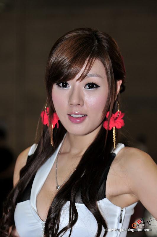 Hwang Mi Hee (황미희)