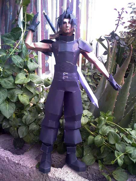 Crisis Core Final Fantasy VII Zack Fair Papercraft