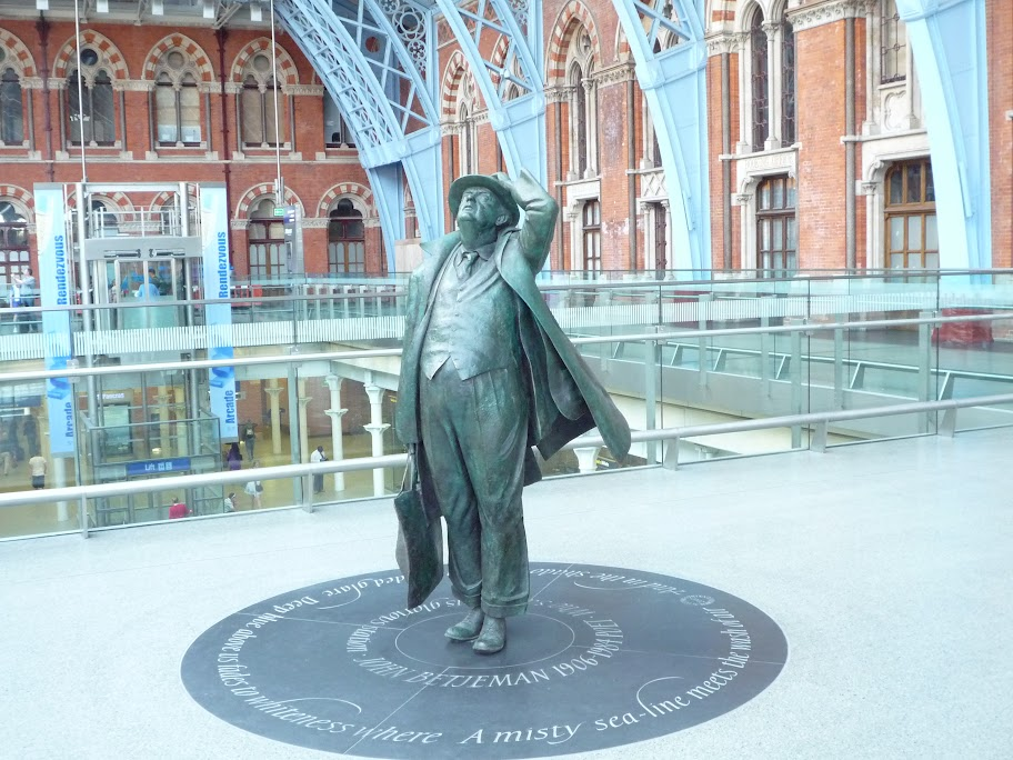 Seb Kirby Take No More John Betjeman statue photo