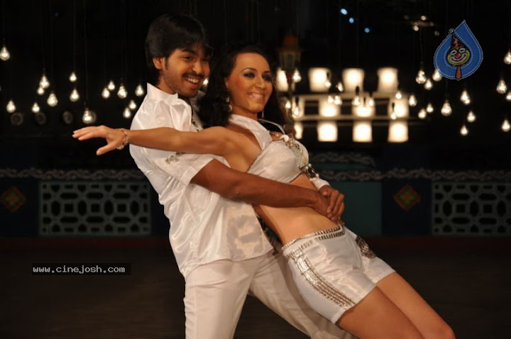 Jhalak Movie Hot Stills
