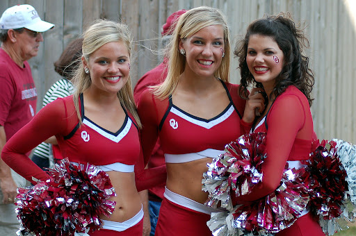ou-cheerleaders-3