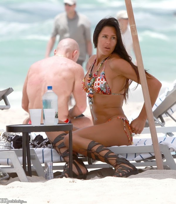 Carolina Baldini is noticeable in a bikini(celebrities-1photos)1