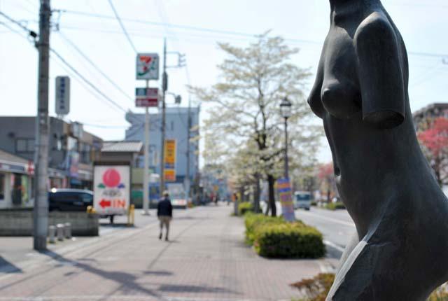 高坂彫刻通り