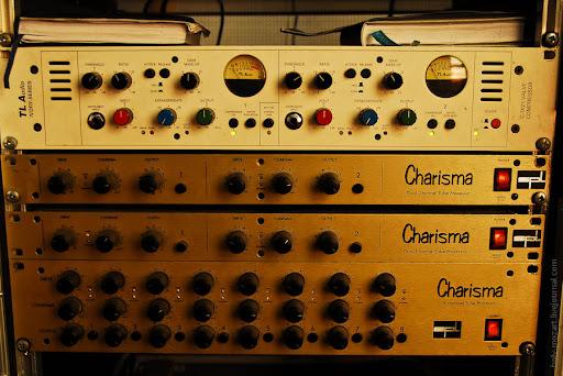 Работа звукорежиссера в студии звукозаписи
