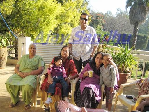 sunny deol wife pooja deol. Pooja Deol Wife Of Sunny Deol