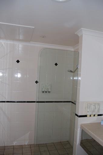 タンガルーマ・ワイルドドルフィンリゾートのシャワールームの写真