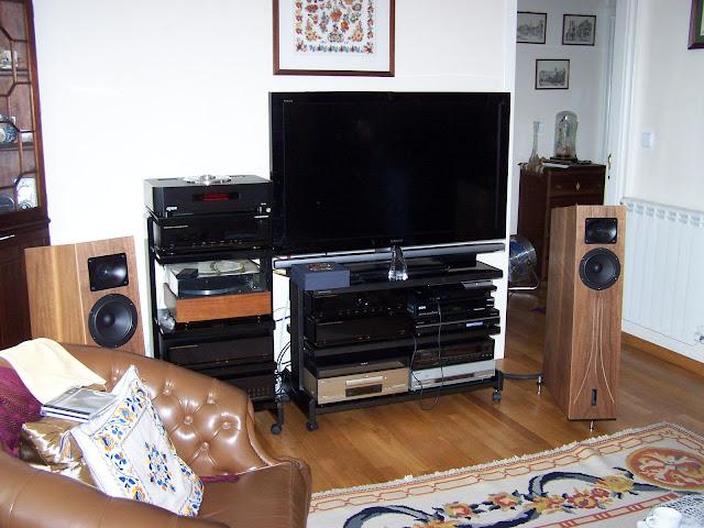 Sistema audio quasi-vintage... com algumas pontas novas  101_5626
