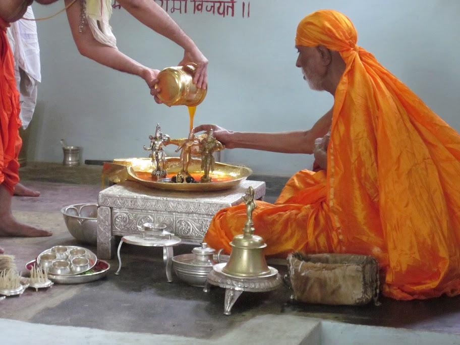 Maha Abhisheka of Sri Moola Ramadevaru - Anegundi
