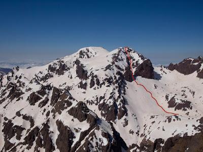 Itinerari d'ascens (foto del dia anterior des del Toubkal Oest)
