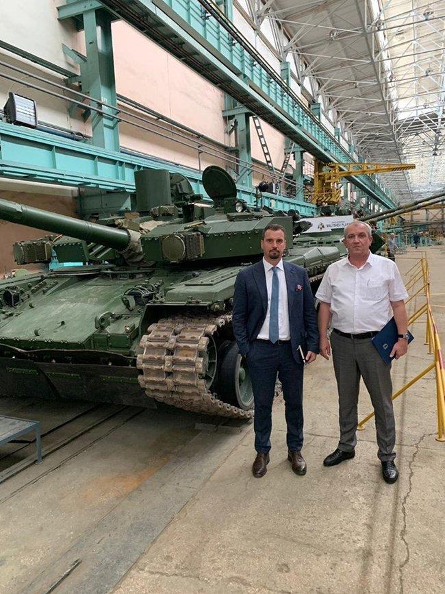 Айварас Абромавичус: В экспорте оружия мы ставим амбициозную цель - вырасти в 5 раз к 2025 году 03