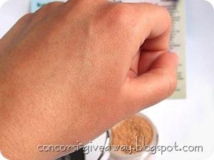 Giveaway-make-up-minerale-minerale-puro-fondotinta-bambu-swatch-no-2-1