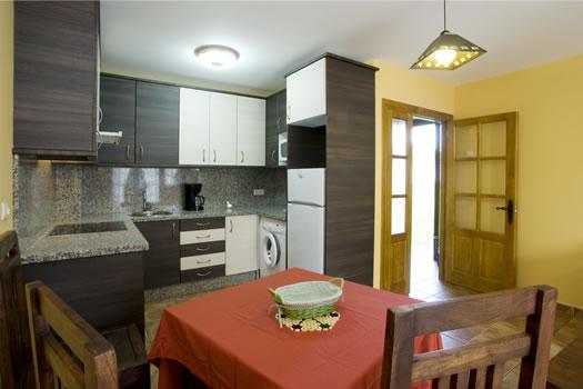 apartamentos argame cocina