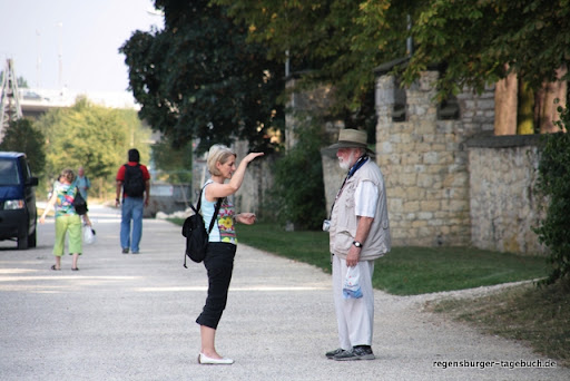 https://lh4.googleusercontent.com/_uzLsIJX7LLU/TdROF0645-I/AAAAAAAAJsg/r0Wy_zUhFVQ/Regensburg-Donauspaziergang-Villa-Uferweg-IMG_1760_ji.jpg