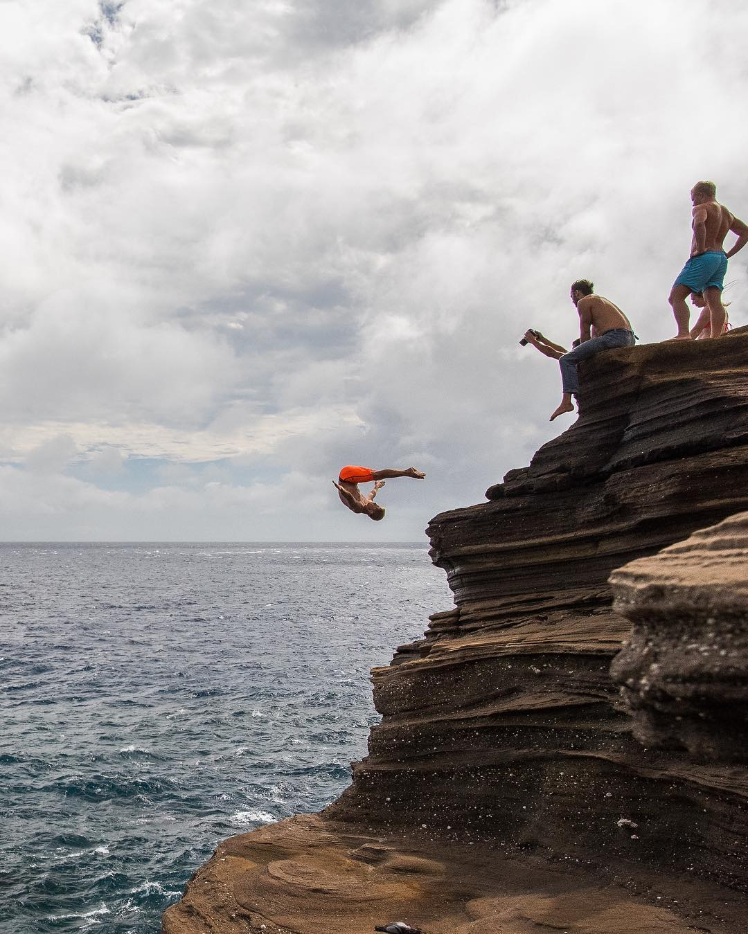 Jump at China Walls - Best Things to Do in East Oahu