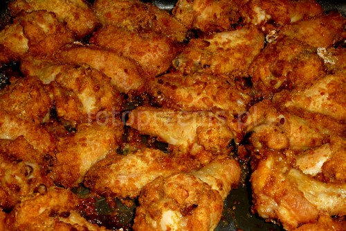 Chicken wings czyli pieczone skrzydełka w panierce srednie pieczone obiad kurczak i drob danie glowne amerykanska  przepis foto